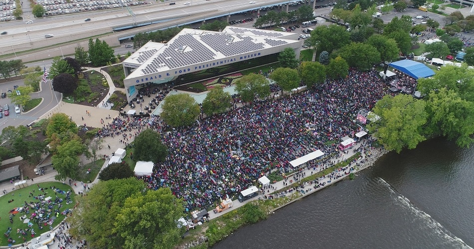 15,000 people gather on Grand Rapids, MI waterfront for gospel festival.